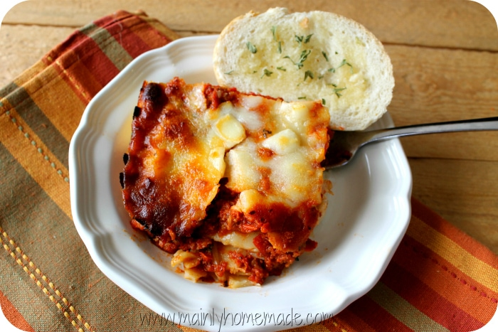 michael-angelos-lasagna-and-bread